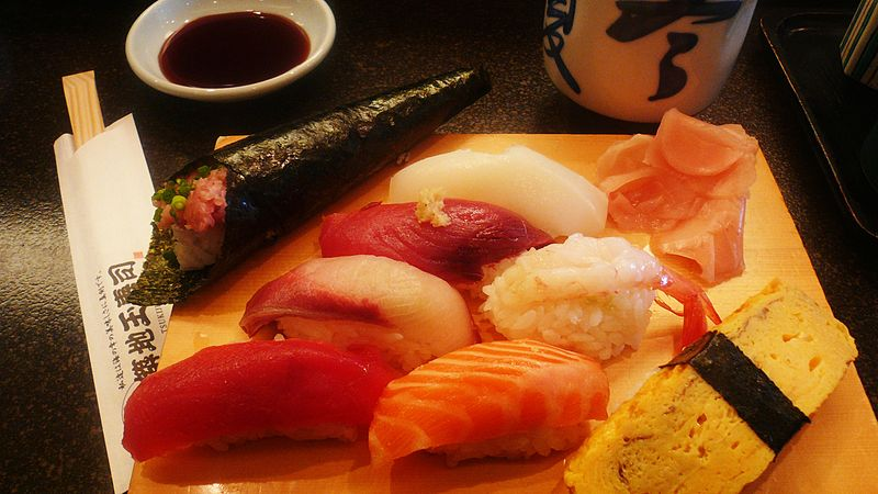 "{""author"":""Nesnad"",""link"":""https%3A//commons.wikimedia.org/wiki/File%3A2007feb-sushi-odaiba-manytypes.jpg"",""descr"":""""}"