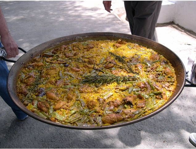 "{""author"":""%20Pabloito"",""link"":""https%3A//commons.wikimedia.org/wiki/File%3A9paella.jpg"",""descr"":""""}"