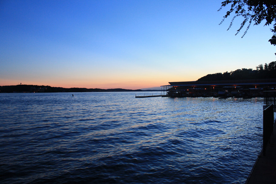 8. lake-of-the-ozarks-by-TaipeiSS.jpg